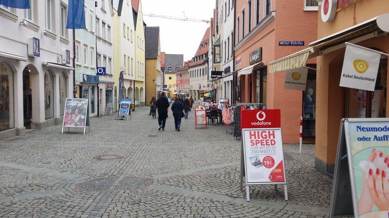 """Leerstände und rückläufige Kundenfrequenzen. """"Kaufbeuren hat strukturelle Probleme, die sich durch das Forettle-Einkaufszentrum voraussichtlich noch verstärken"""", so Marktforscher Dr. Stefan Leuninger."""